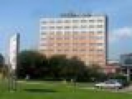 Hotel in Groß Stadt zu verkaufen