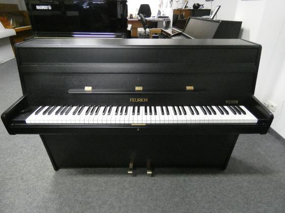 Feurich Klavier schwarz von Klavierbaumeisterin aus Aachen